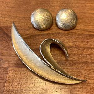 Vintage broach & earring set